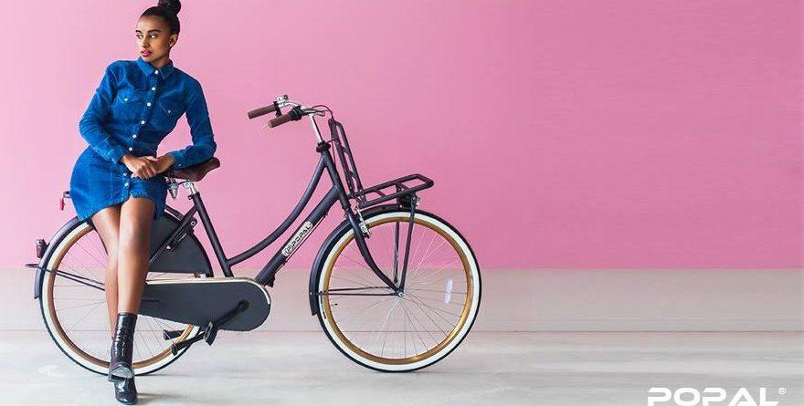 Dames fietsen